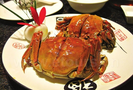 Besides moon cakes, crabs are also very popular in Mid-autumn festival
